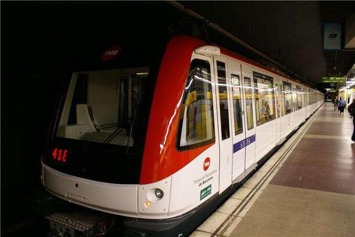 Barcelona Metro Train •
