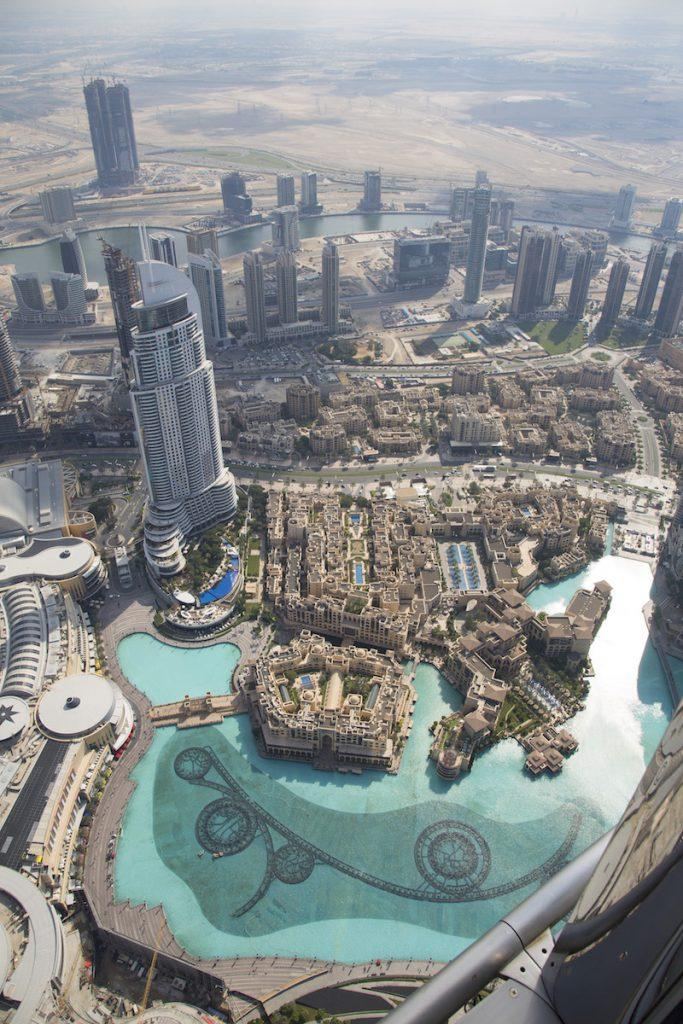 05-burj-khalifa-at-the-top-f1destinations-683x1024